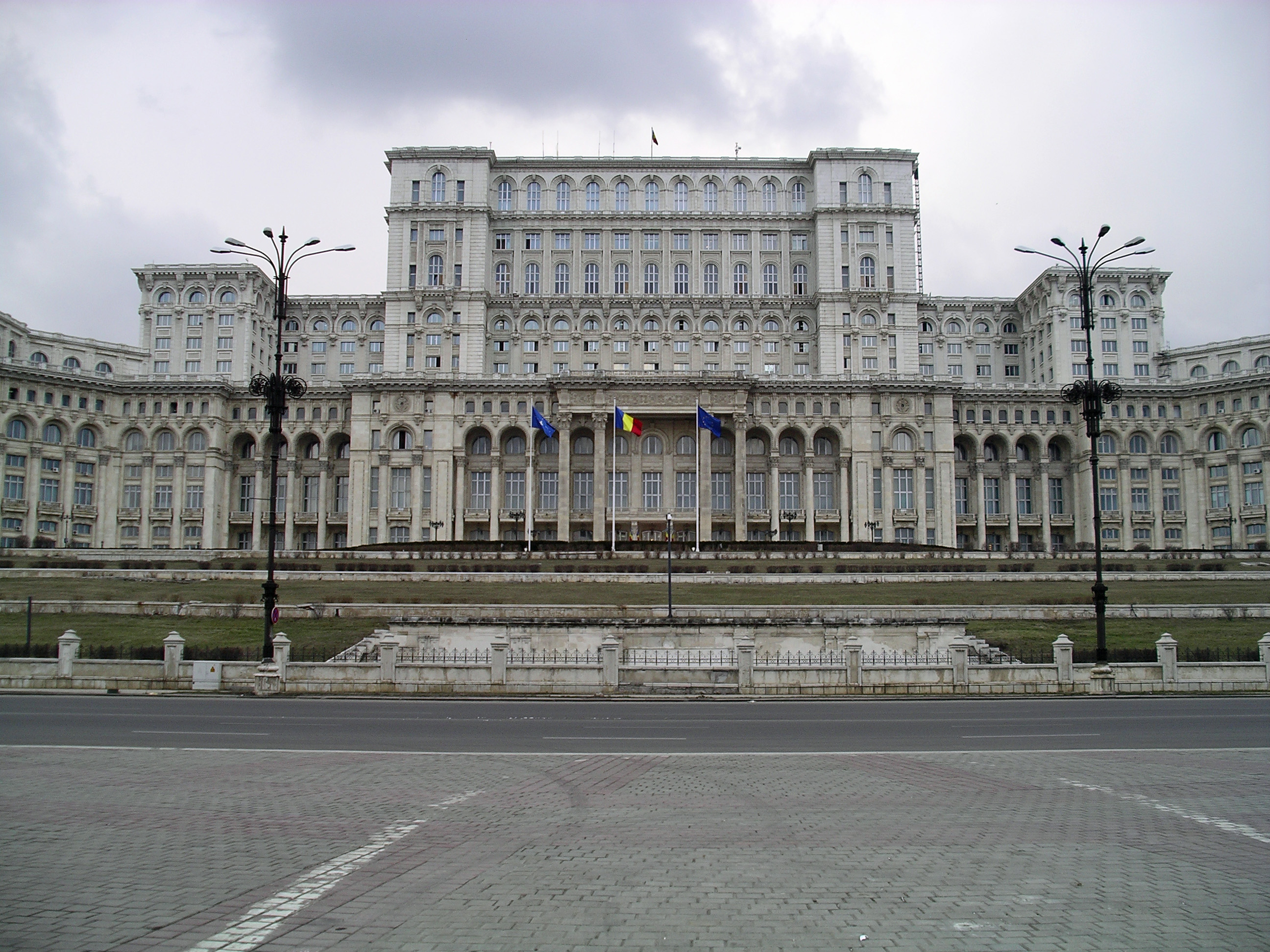 Casa Poporului 14744v furthermore Transalpina An Official Trademark additionally Palazzo Del Parlamento Di Bucarest likewise Bucharest  20the 20People's 20Palace likewise Futuristic Turda Salt Mine. on romania palace