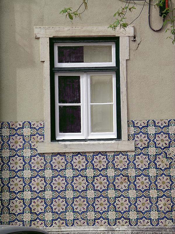 Pierrot heritier photos cities of the world lisbon - Azulejos para fachadas ...